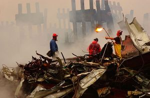 800px-FEMA_-_3992_-_Photograph_by_Andrea_Booher_taken_on_09-20-2001_in_New_York