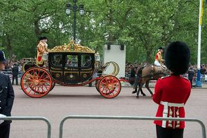 800px-Carriage_Parents_Wedding_Prince_William_Kate_Middleton