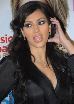 431px-Kim_Kardashian_7