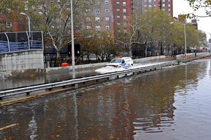Hurricane_Sandy_NYPD_FDR_Flood_2012