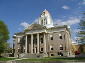 The-courthouse-139806-m