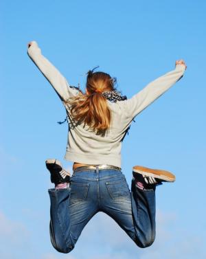 Jumping-girl-1305932 (1)
