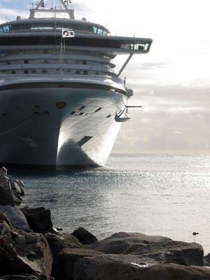 Cruise-boat-1-1257868