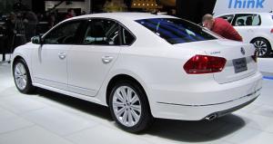 Volkswagen_Passat_(NMS)_rear_NAIAS_2011.1