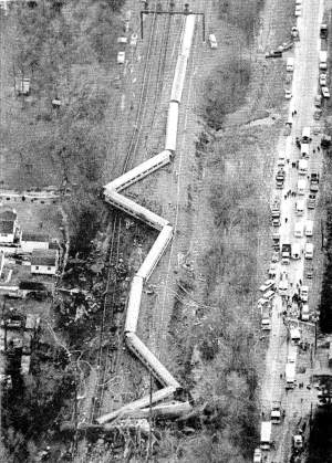 1987_Maryland_train_collision_aerial